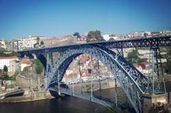 Brug over de Douro in Porto