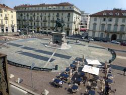 Turijn, Piazza Bodoni